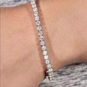 14KT White Gold Classic 5 CTW Moissanite Bracelet